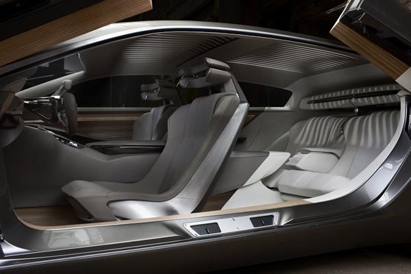 Peugeot HX1 - dwa rzędy siedzeń
