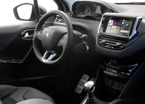 Ekran dotykowy w Peugeot 208